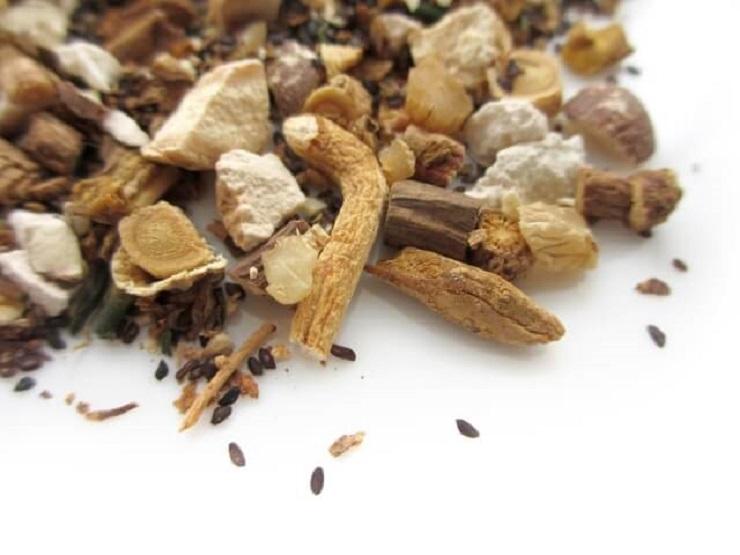 臭い体臭が漢方薬で改善できるって本当?市販薬と処方薬の違いについても紹介!